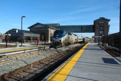 013 20141226 The first sunny day in weeks, train353 rolls into Dearborn Transit Ctr. Steve T. Sobel, photo