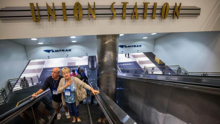 The escalators to Canal Street at Union Station. (Zbigniew Bzdak, Chicago Tribune)
